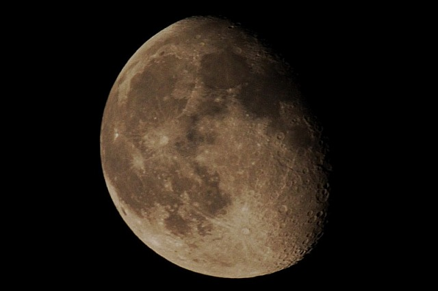 Mond über Berlin am 10. Oktober 2006 um 21:00 Uhr
