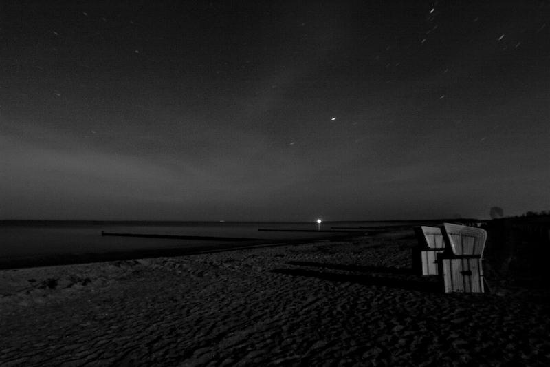 zwei_strandkorbe_ein_leuchtturm_und_der_geist_des_photographen-crw_8840.jpg